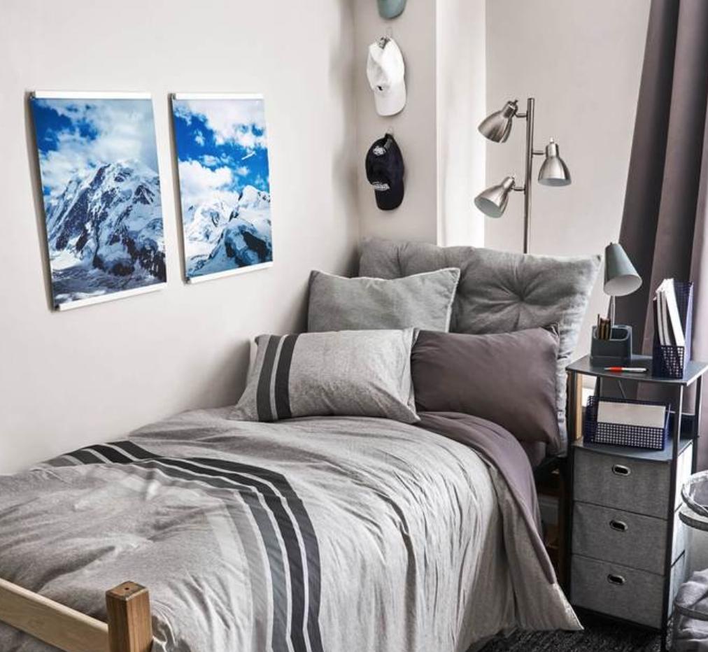 boy's dorm room